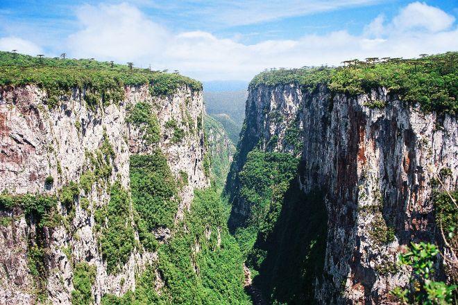 Itaimbezinho Canyon, Cambara do Sul, Brazil